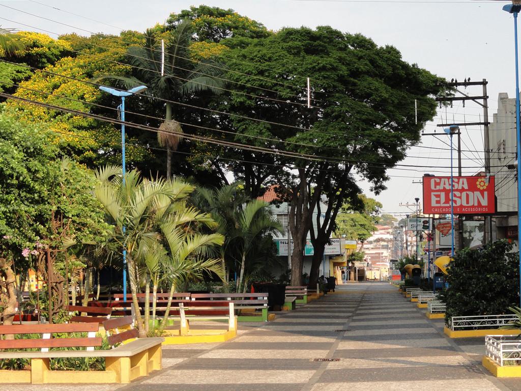 Centro Calçadão Praça Barão Franca