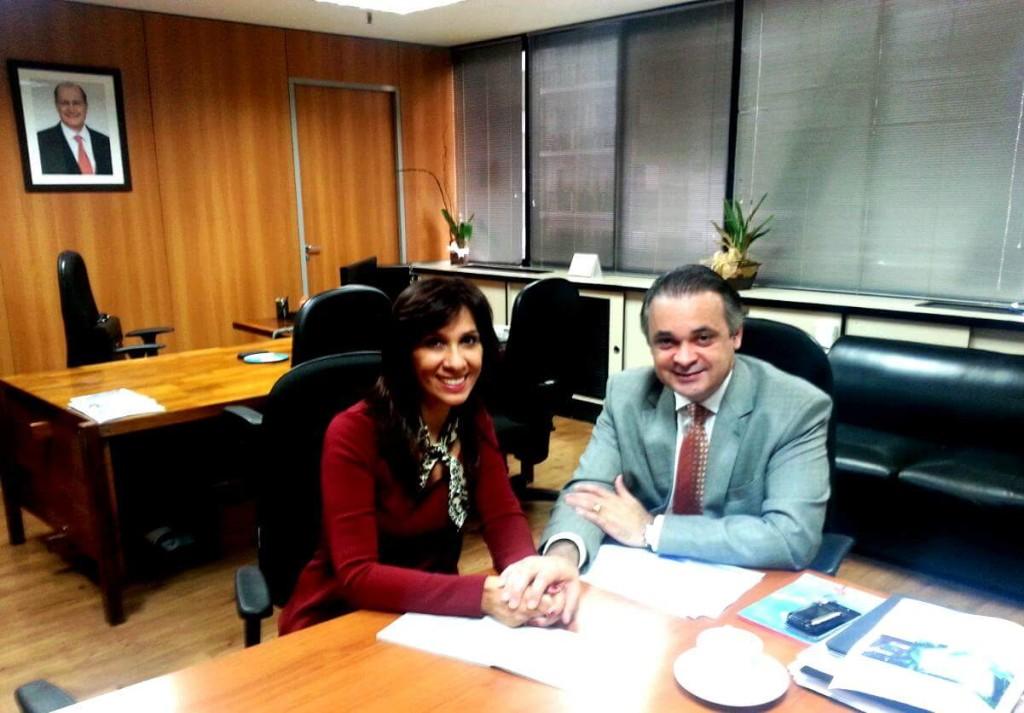 Rosana e o secretario de turismo do estado de sp Roberto de Lucena