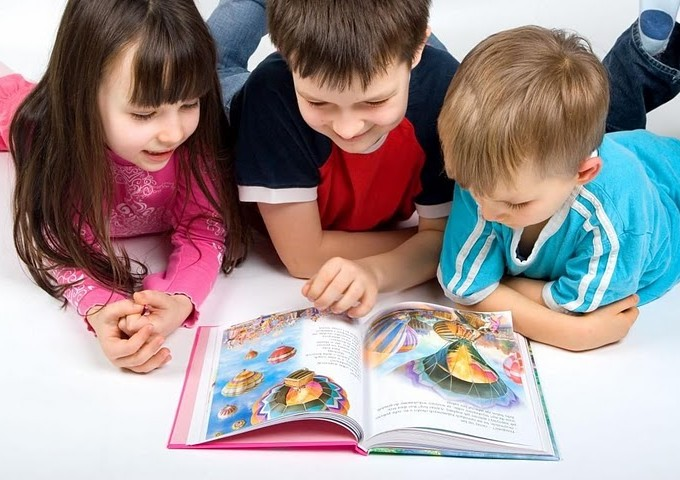 Crianças Livros Reprodução Internet