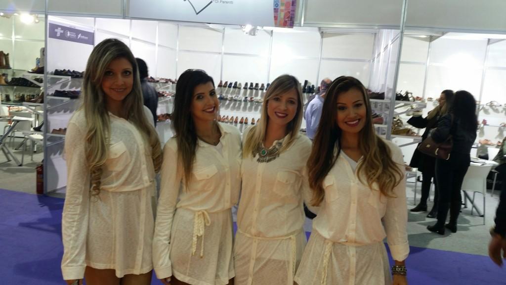 Laura Milat, Tati Ribeiro, Amanda Zambotti e Daniela Silva estande Moda Franca