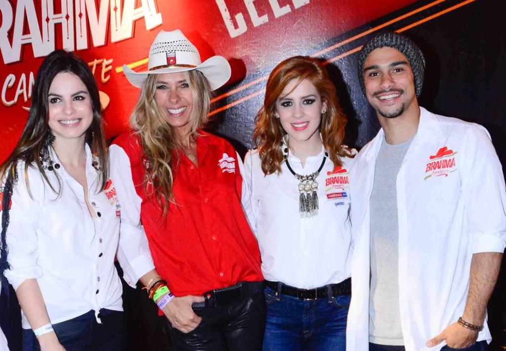 Sophia Abrahão, Sérgio Malheiros, Adriane Galisteu e Stephanny Brito