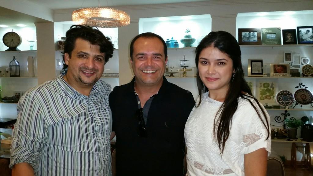 Andre Luis Correa Neves e Débora Morais Correa Neves