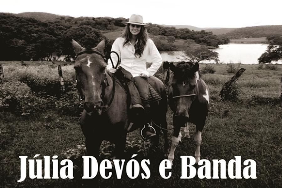 Júlia Devos e Banda
