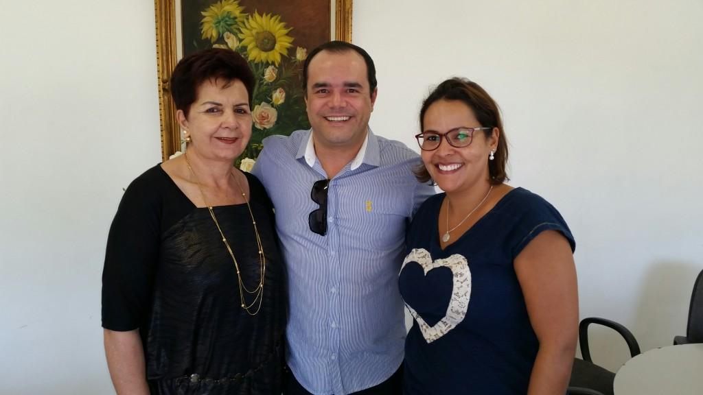 Niura Costa Agostine com Anderson Pinheiro e Corina Gomes Silva