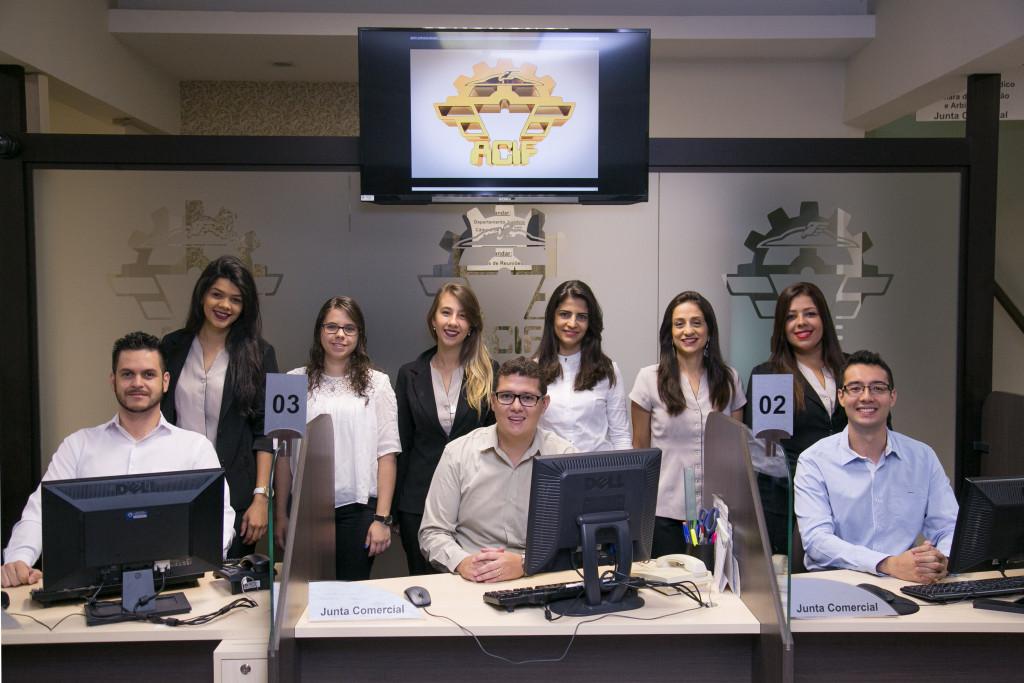 Equipe da Junta Comercial Acif