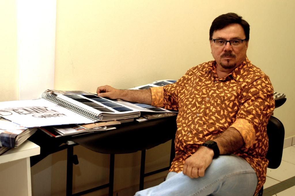 Orlando Aparecido Cabrera, coordenador e professor do curso de moda da Unifran
