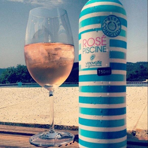 estilo ap ros piscine 39 vinho servido com gelo chega a