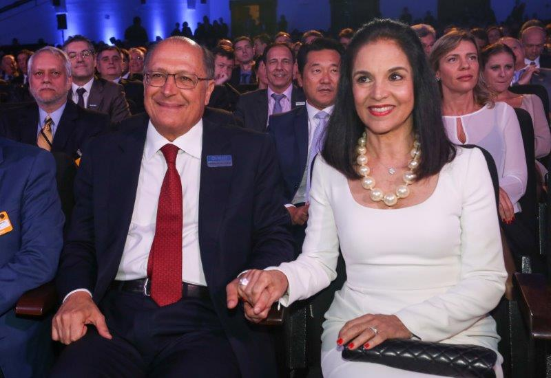 Governador Geraldo Alckmin e a primeira-dama Lu Alckmin no Prêmio Líderes do Brasil 2015