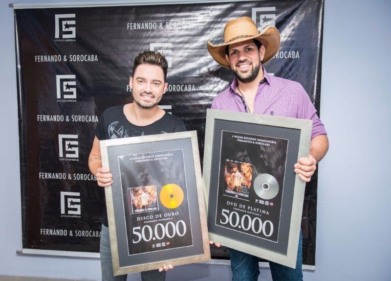 Disco de platina Fernando e Sorocaba