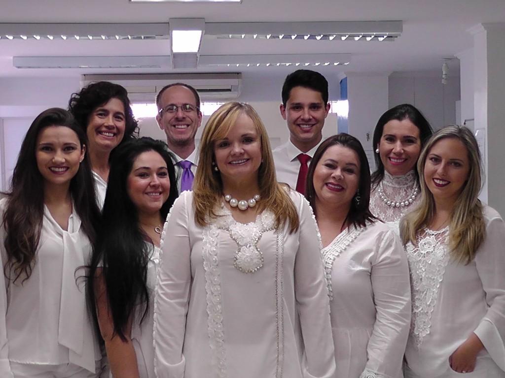 Dra Maria Paula e Equipe