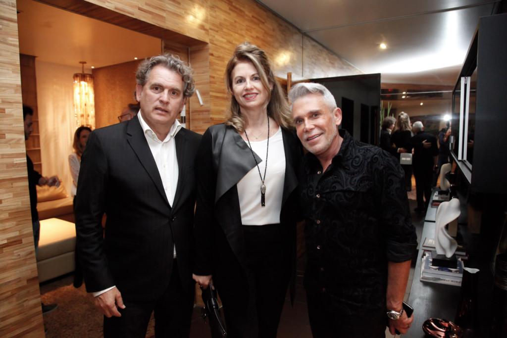 Capa Angelo e Walkíria Derenze com Léo Shehtman