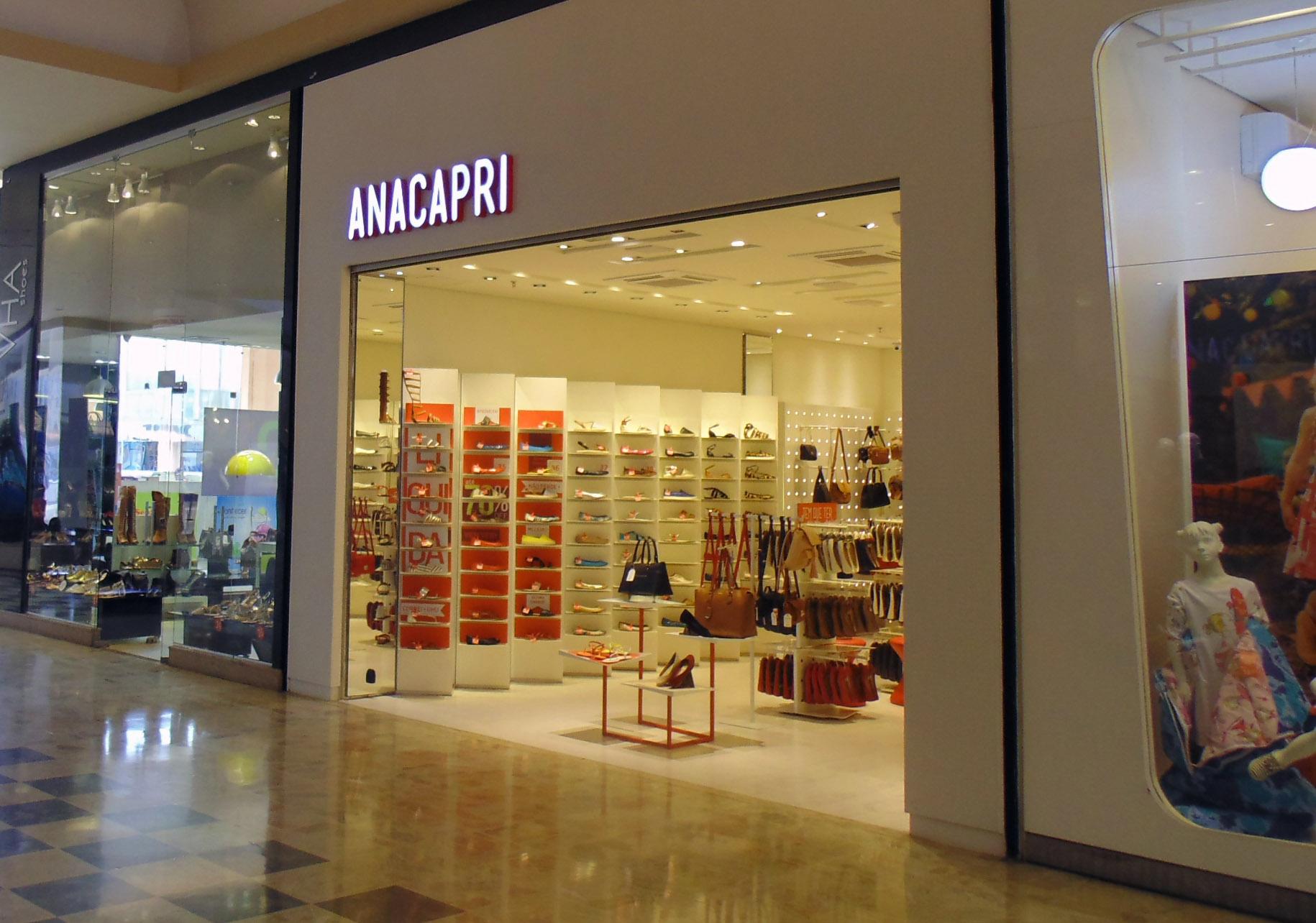 Loja Anacapri lança coleção de verão com coquetel no Franca Shopping 4356790ca1