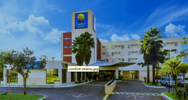 Comfort Hotel Fachada