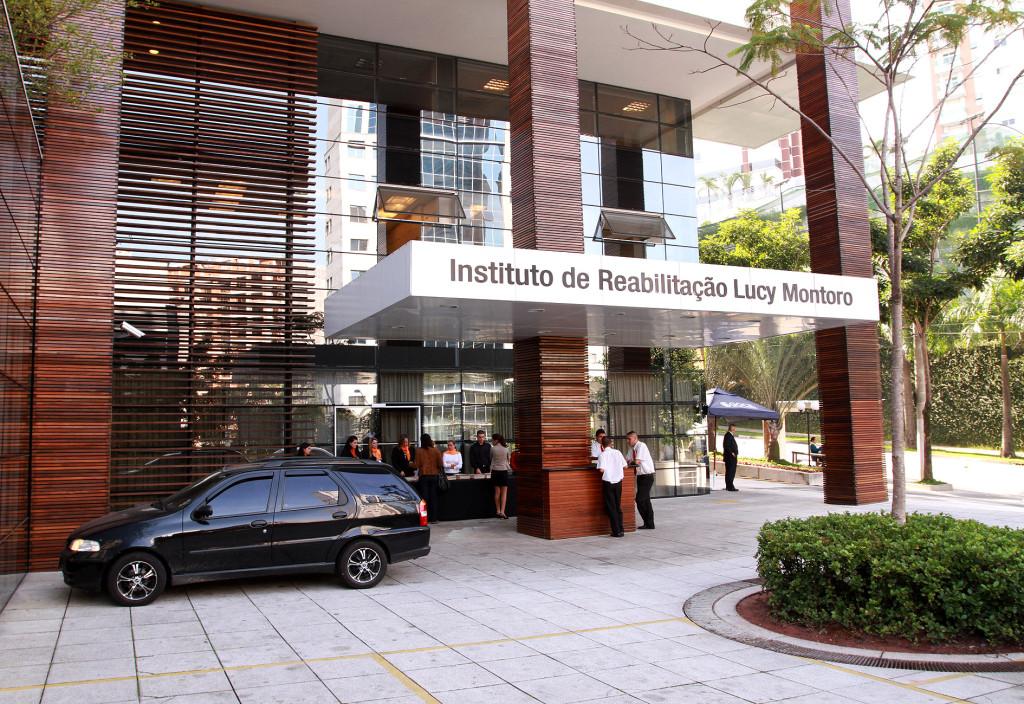 O Governador Geraldo Alckmin, inaugura da área robótica da Rede de Reabilitação Lucy Montoro na Unidade do Morumbi; Visita as instalações e tira com foto com pacientes. lOCAL: São Paulo/SP Foto : DUAMORIM/A2 FOTOGRAFIA 11/05/2012