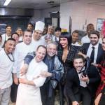 Sabrina Sato e equipe da cozinha-1T2A0584