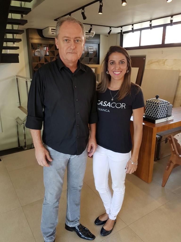 Maurício Calixto Teixeira e Andressa Algarte da loja Centro Cerâmico 02