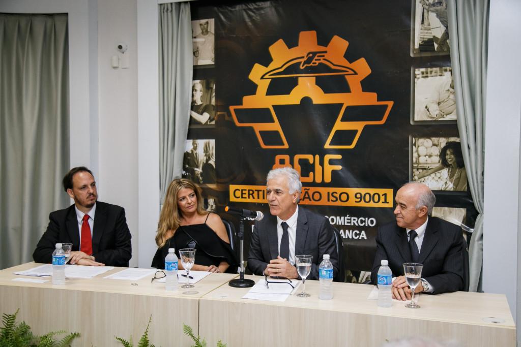 Alexandre Augusto Franco e Silva, Sílvia Alonso y Alonso Bittar Cunha, Dorival Mourão Filho e Alfredo José Machado Neto compondo a mesa na solenidade de posse