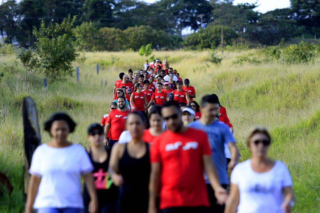 Caminhada dias das mães - Run 4 Life - Espaço Madeiro - Fotos Marcos Limonti (1)