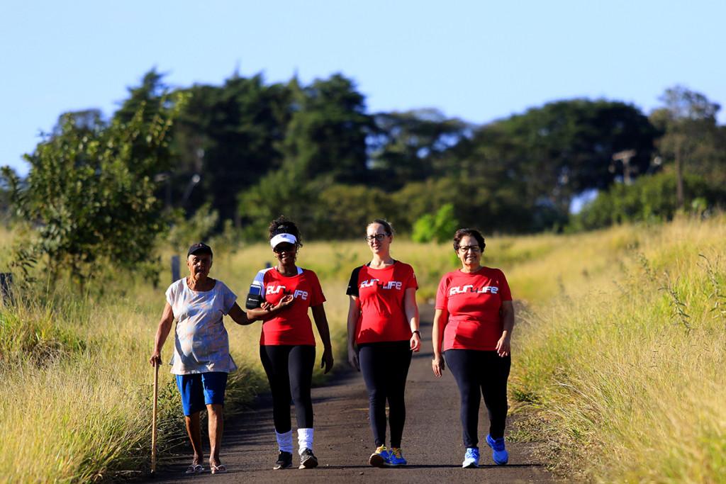 Caminhada dias das mães - Run 4 Life - Espaço Madeiro - Fotos Marcos Limonti (4)