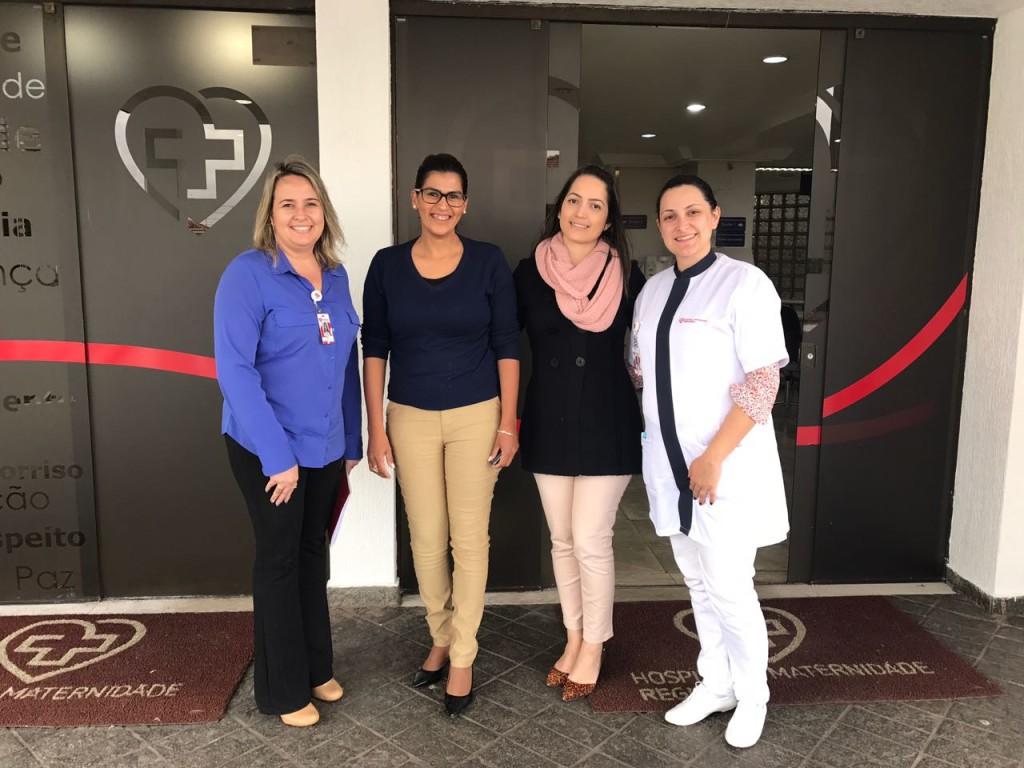 Paula Salomão, vereadora Cristina Vitorino, Priscila de Cássia e Caroline Garcia no Regional Hospital e Maternidade