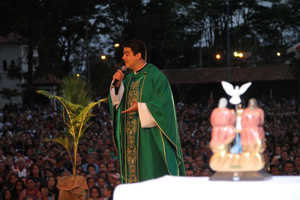 Padre Robson de Oliveira