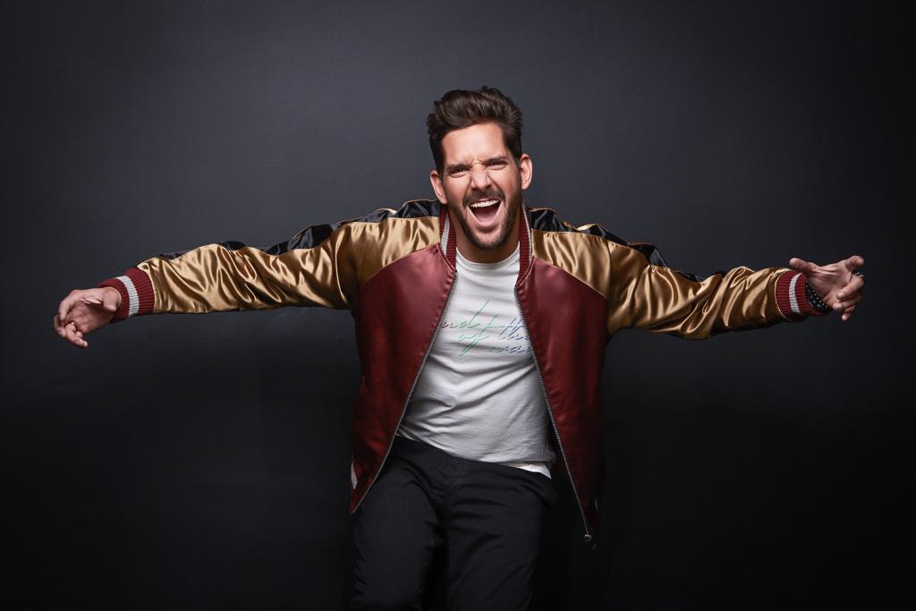 Felipe Pezzoni, atual vocalista da Banda Eva.jpg