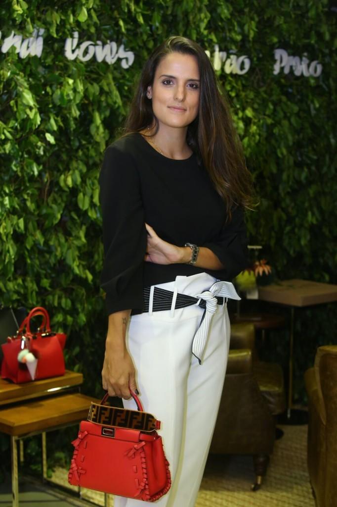 Manoela Whitaker