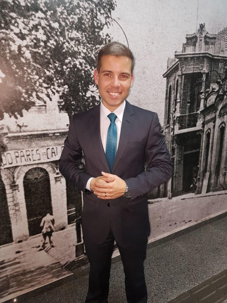 04 - O jornalista e apresentador Tiago Valentim, da Record TV, durante coquetel da Expoagro