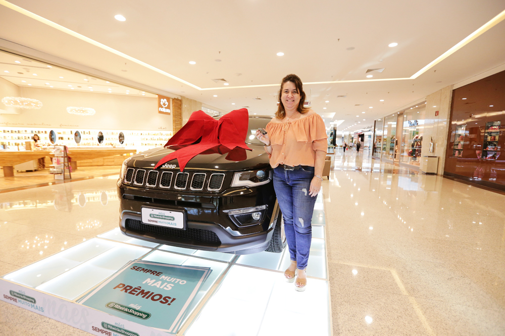 Simone R_ M_ Beolchi de Ribeirão Preto foi uma das sorteadas e ganhou um novo Jeep Compass